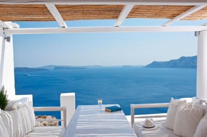 Katikies-Hotels-in-Oia-17-800x533