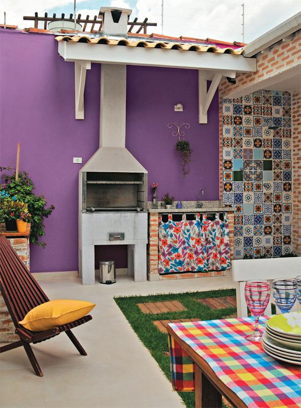 színes brazil lakás terasz