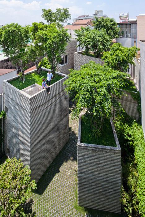 ház fákkal a tetején 1