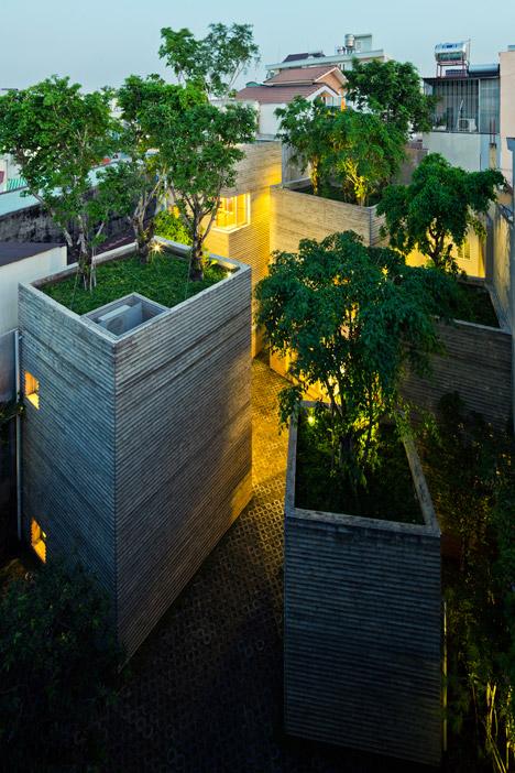 ház fákkal a tetején 6