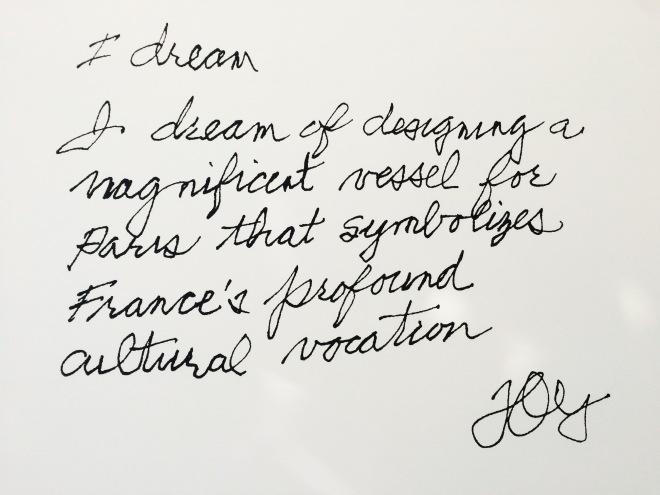 Louis Vuitton Foundation Párizs szögletes aranyhal 12